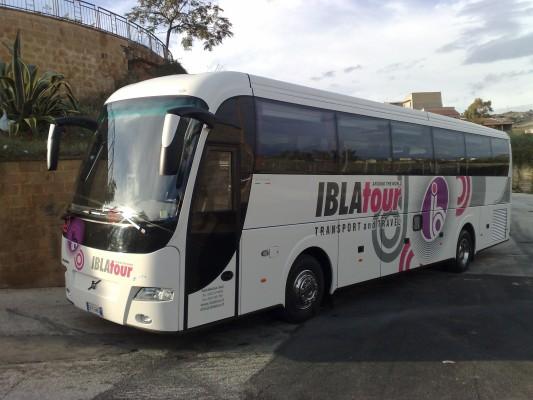 bus autocars d 39 occasion et neufs vendre machineryzone. Black Bedroom Furniture Sets. Home Design Ideas